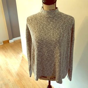 Size L Gray Turtle Neck Sweater